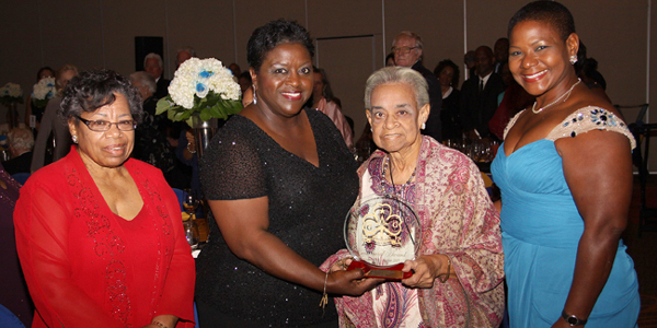 Bahamas-Girl-Guides---Presentation-to-Clarice-Granger