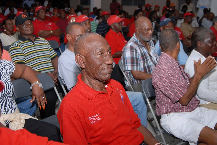 Financial Committee of the FNM resign.