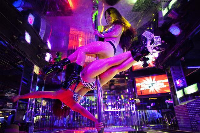 Strip club porn pics