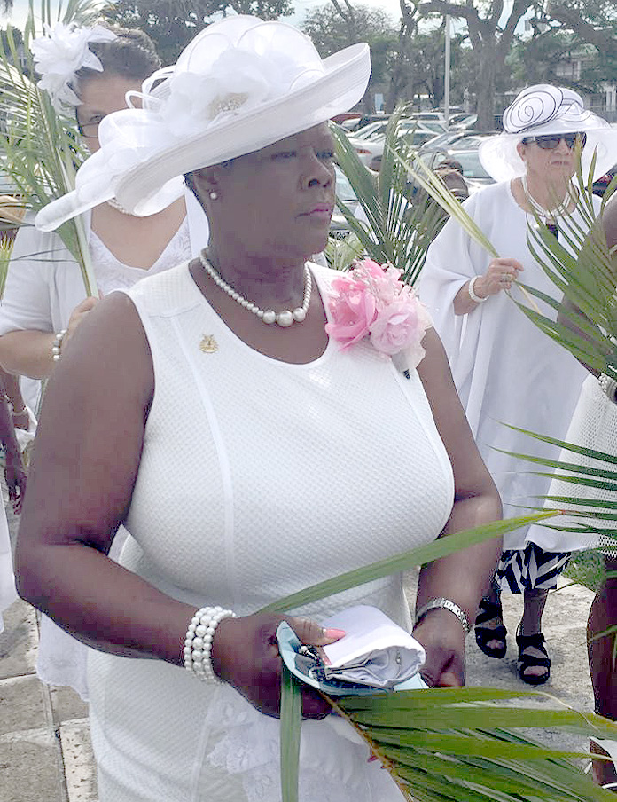 Donna Richardson-Smith dies during procession of Palm Sunday while worshipping.