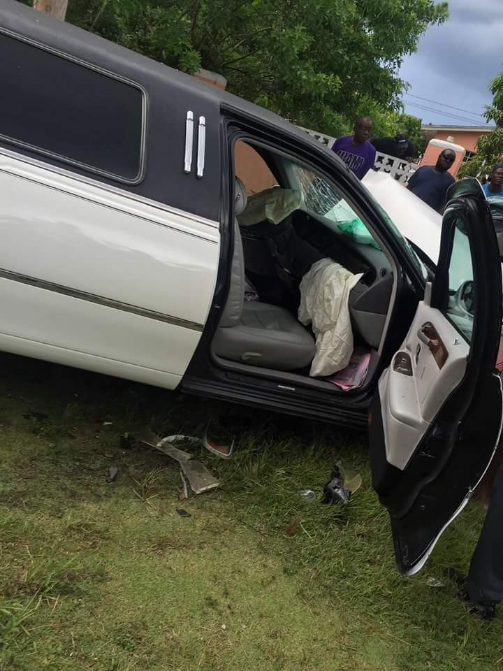 That limo carrying realtives of the deceased which crashed into the victim's car.